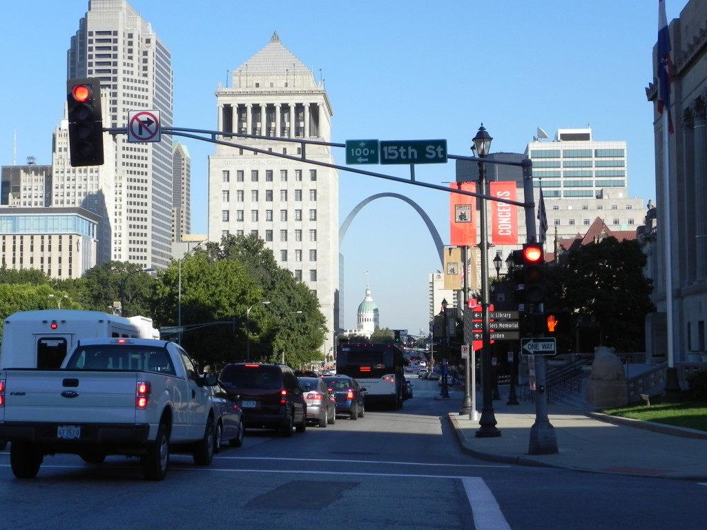 Downtown St.Louis e sullo sfondo il Gateway Arch...