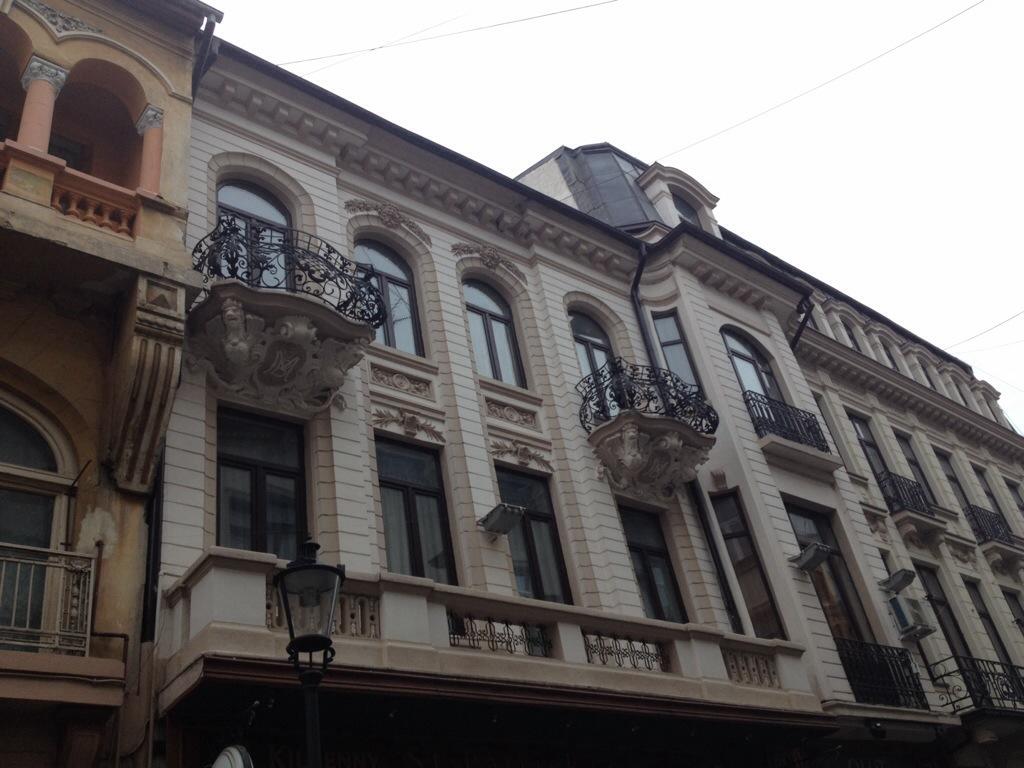 edifici restaurati nel centro storico...