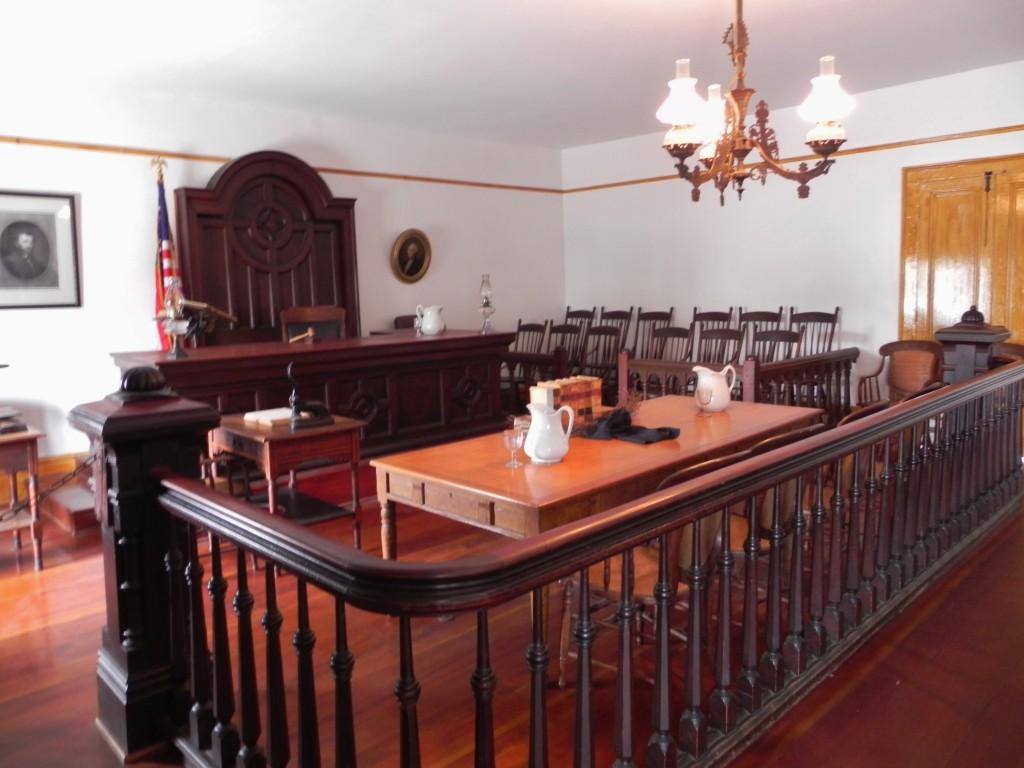 Il vecchio tribunale al pian terreno