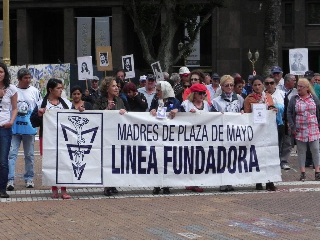 Le madres e la loro protesta del giovedì
