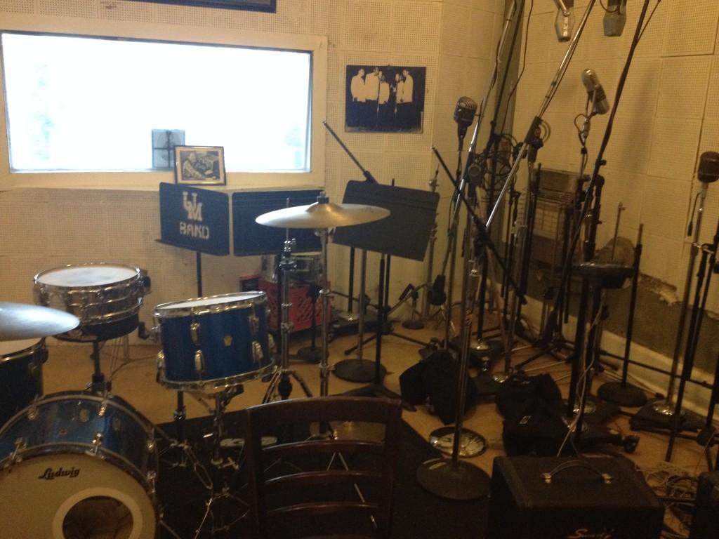 In questa sala, ancora oggi, registarano i grandi della musica...