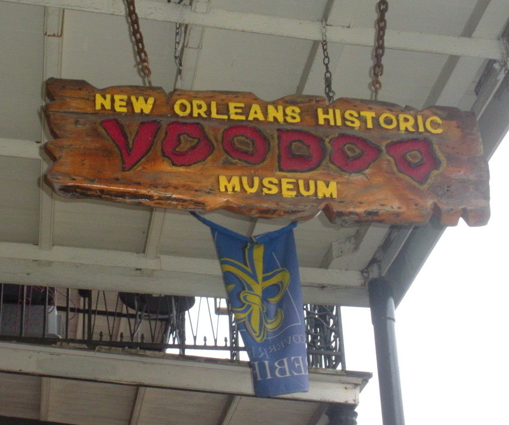 The New Orleans Voodoo Museum, the entrance