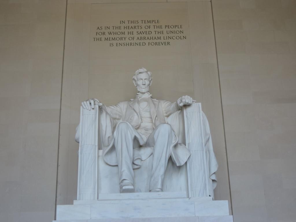 La Statua di Lincoln nel Memorial a lui dedicato