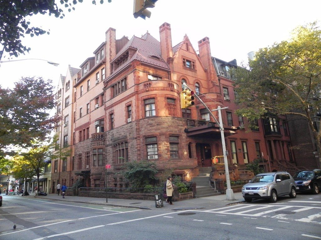 What to see in Brooklyn: Ancient brownstone dwellings in Brooklyn Heights