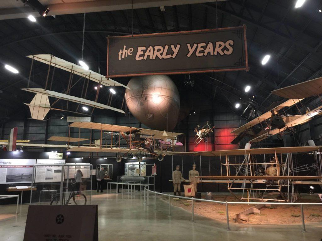 L'Hangar dedicato ai Fratelli Wright ed ai primi voli della storia