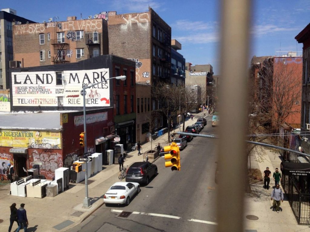 What to see in New York: Williamsburg seen by the Williamsburg Bridge