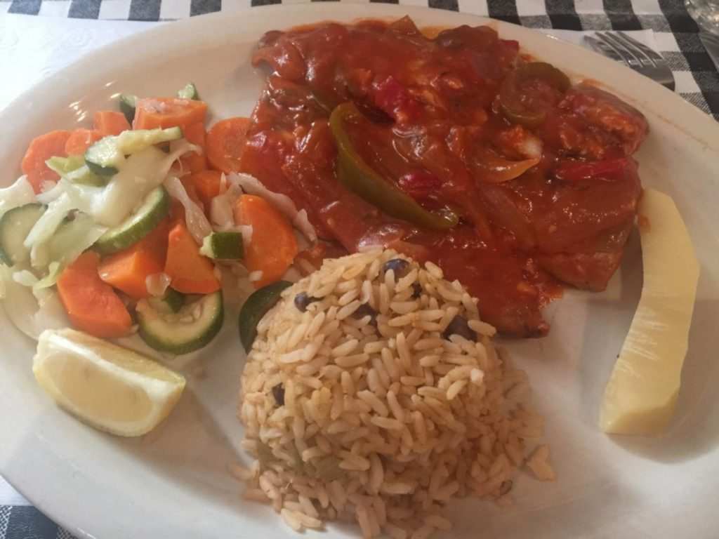 Eat in St. Thomas: Wahoo just caught, with tomato sauce, spices and vegetables