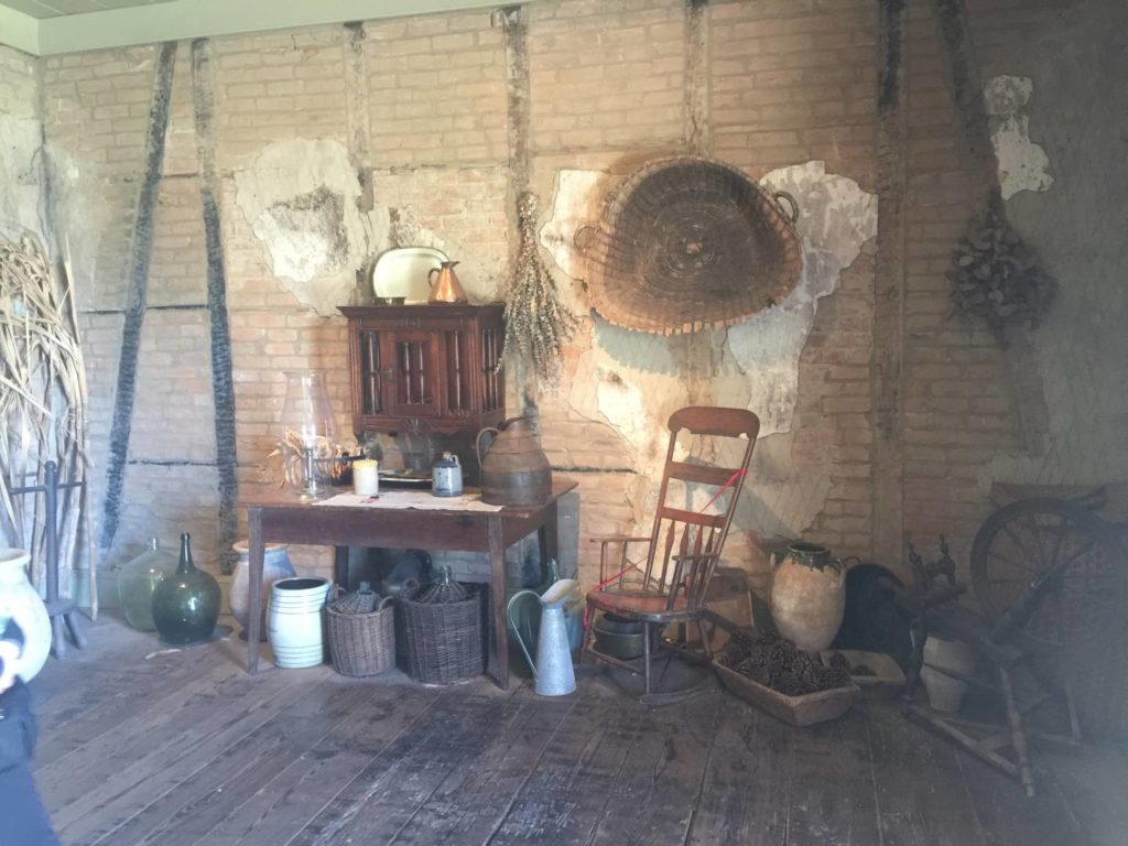 Laura Plantation, the kitchen