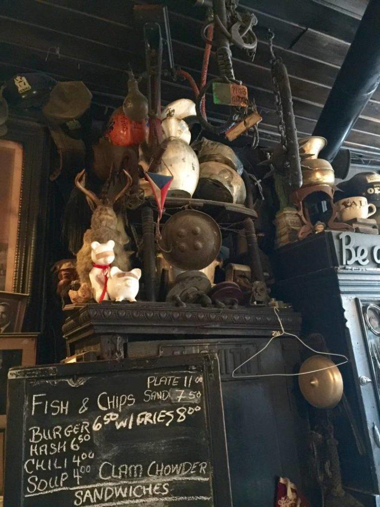 """McSorley's Old Ale House, la """"sedia"""" di Lincoln"""