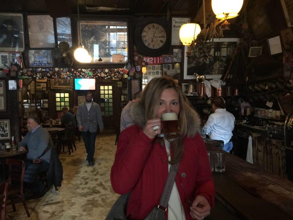 McSorley's Old Ale House, the café
