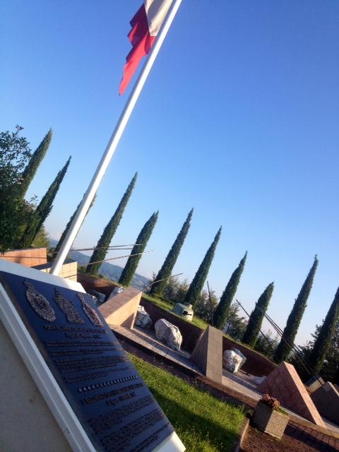 In onore alle divisioni Canadesi che aprirono un varco nella Linea Gotica