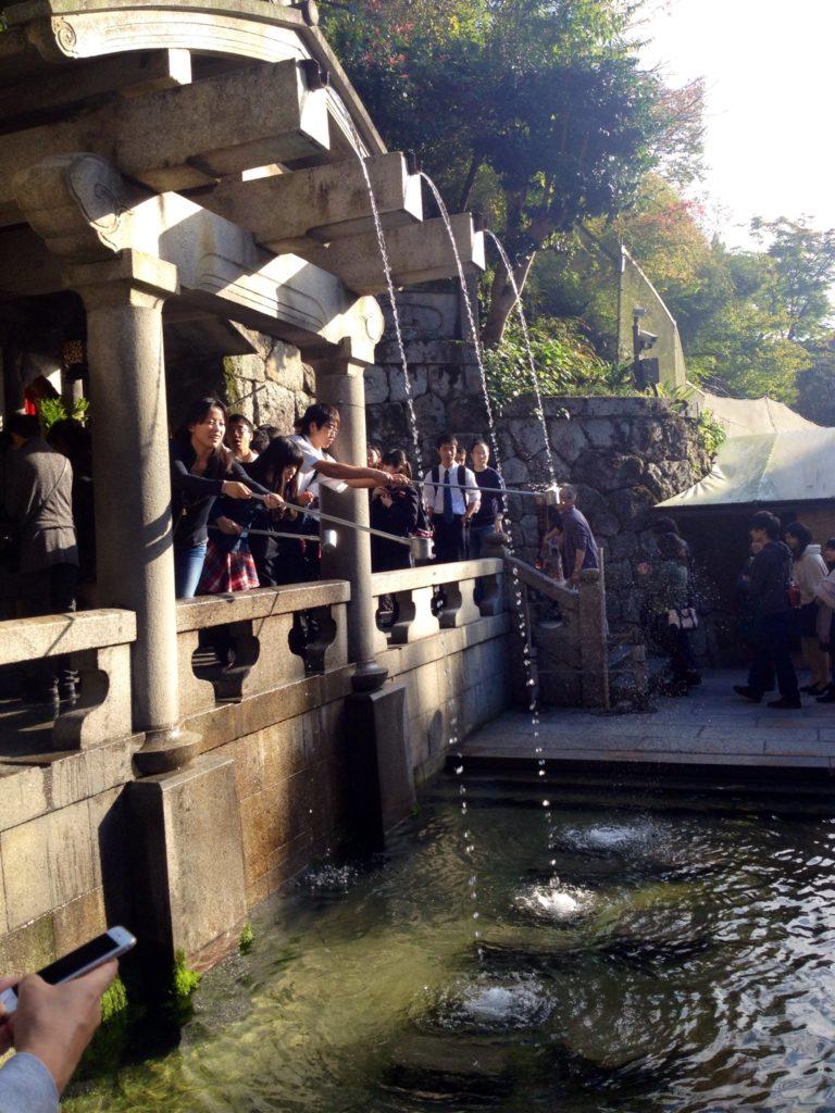 Kyoto, acqua sacra di Otowa, fonte purificatrice