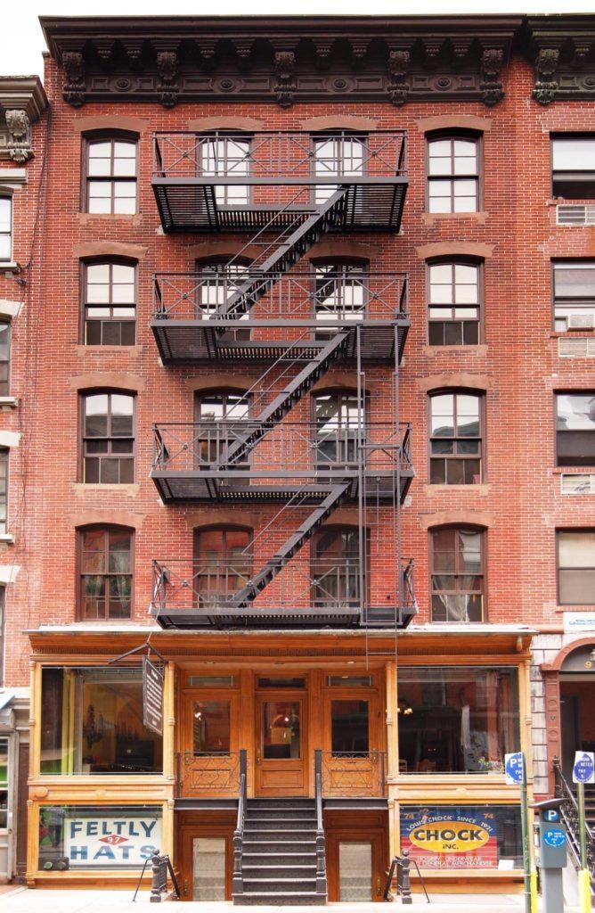 L'ingresso dell'edificio al 97 di Orchard Street