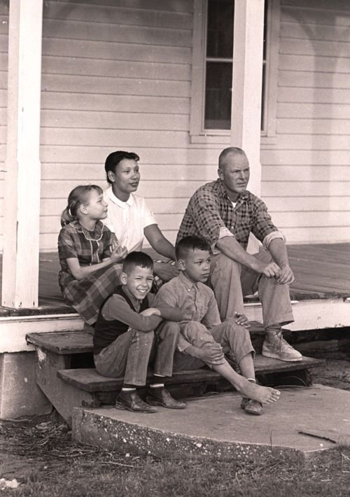 Mildred e Richard Loving con i loro figli a Central Point