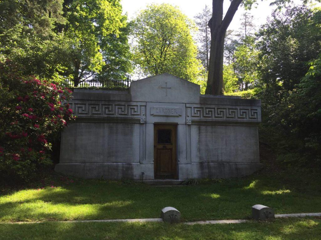Mount Auburn Cemetery, Isabella Stewart Gardner family tomb