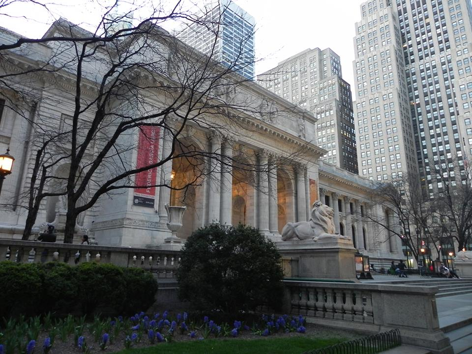 "Museums in New York: New York Public Library, a library that ""smacks"" of museum"