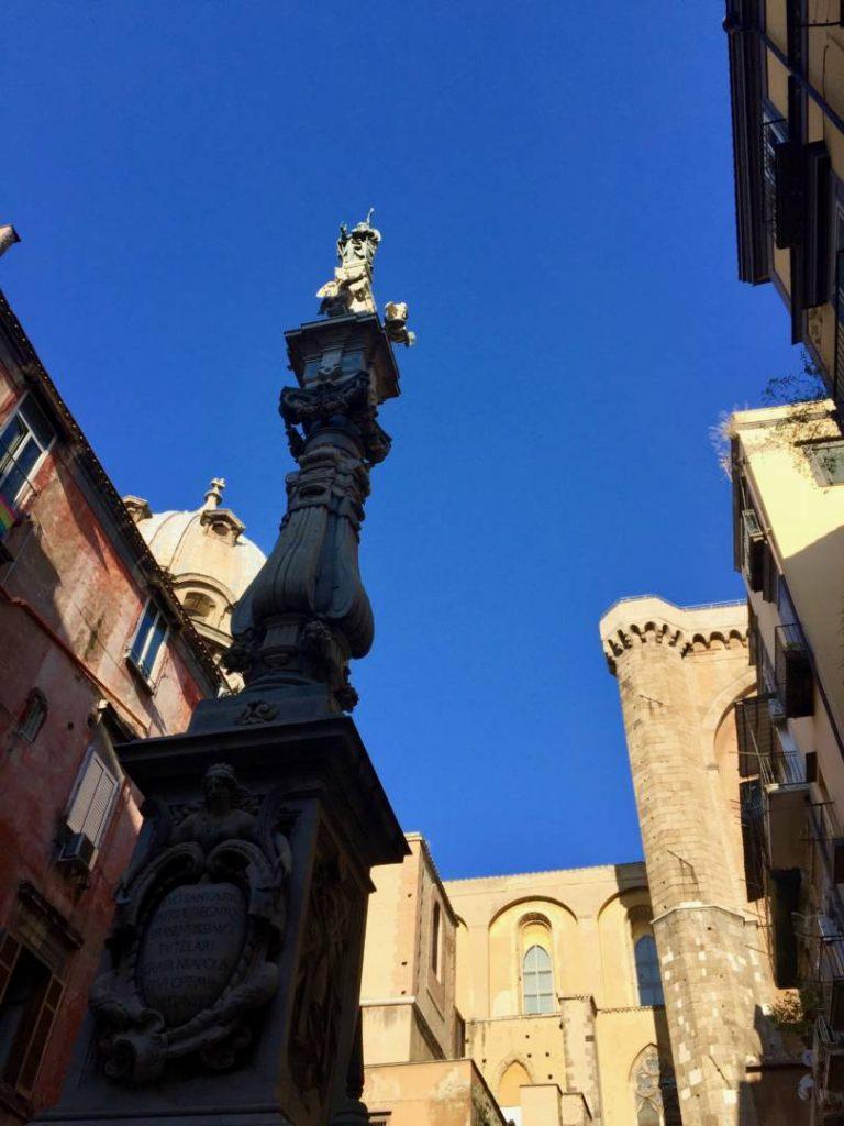 Napoli insolita: luci ed ombre