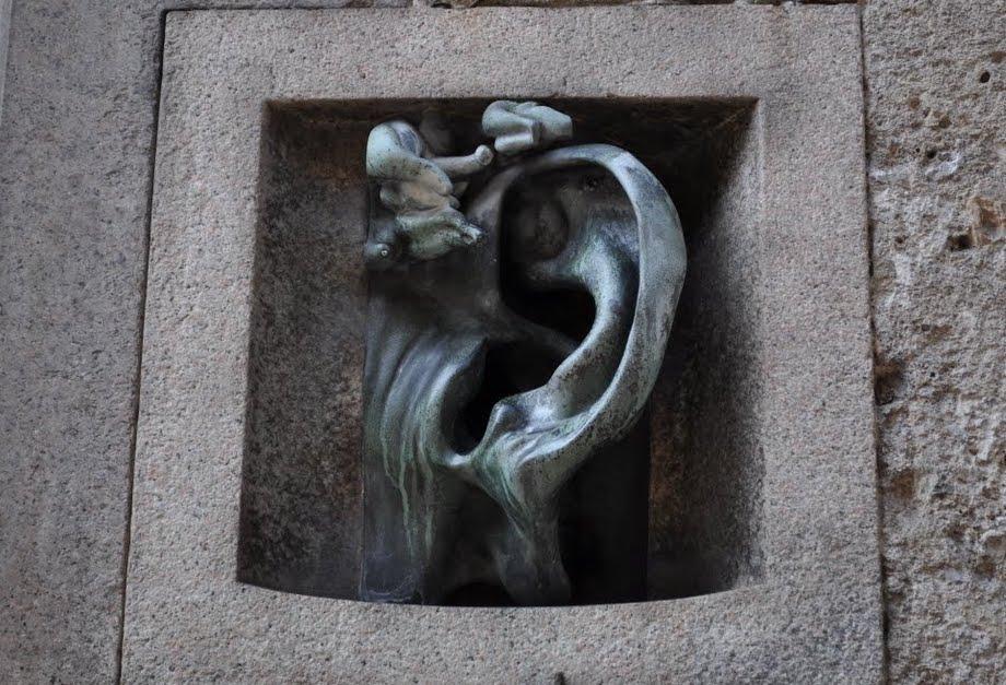 Milano insolita: Palazzo Sola-Busca, l'orecchio di bronzo utilizzato in passato come citofono