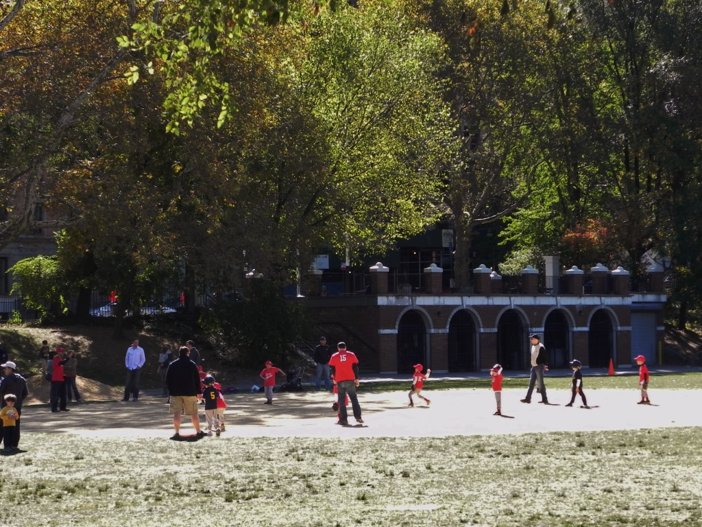 Allenamenti di baseball in Morningside Park
