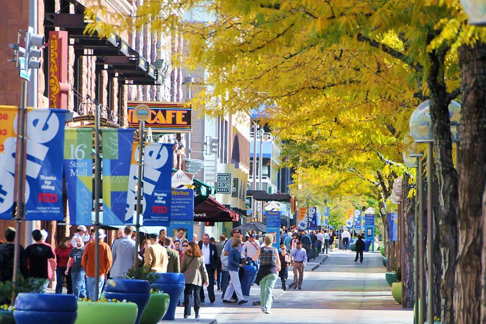 Denver 16th Street Mall [Credits denver.org]