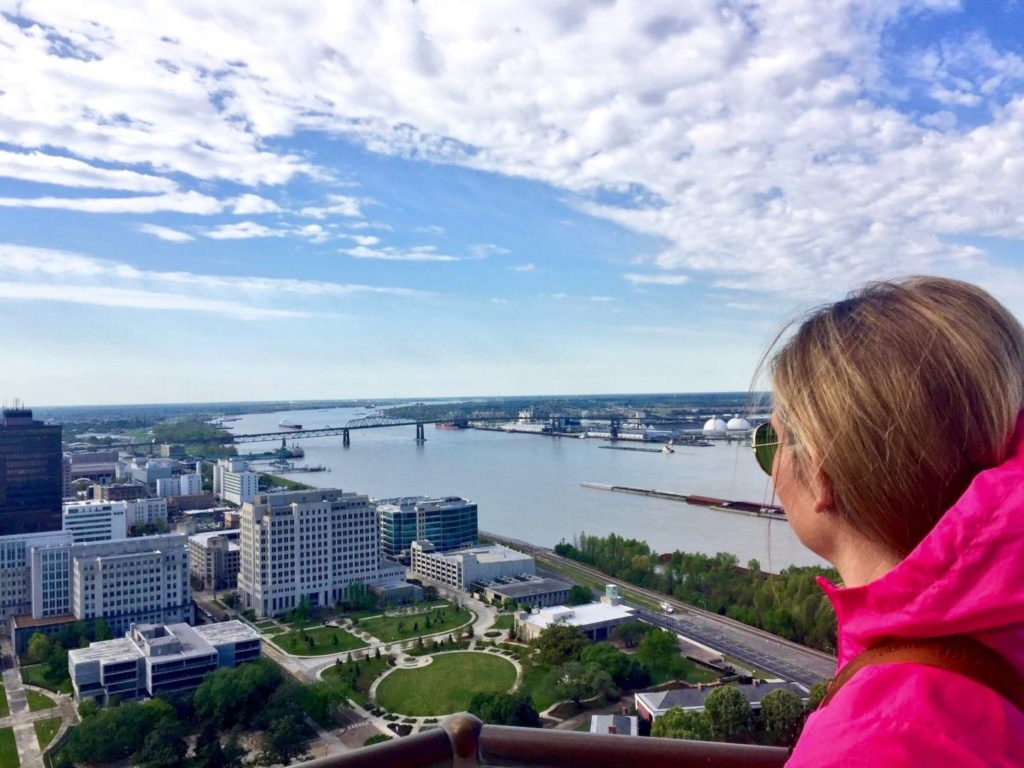 Visit Baton Rouge: view on the Mississippi and the town from the Louisiana State Capitol