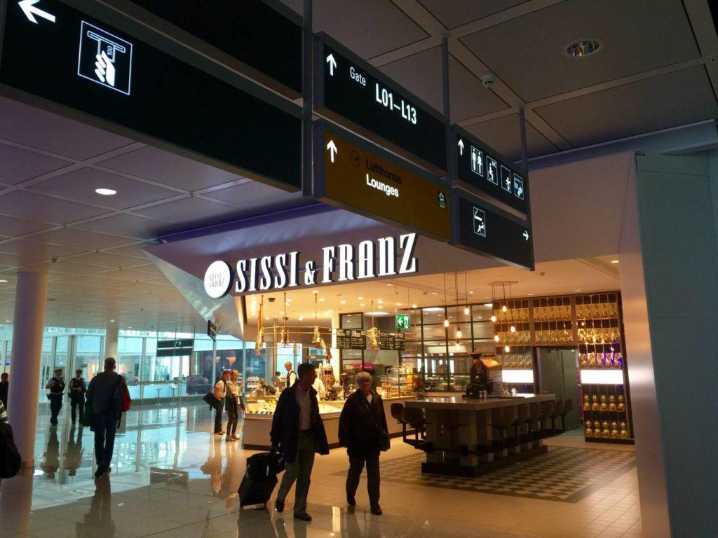 Il terminal 2 dell'aeroporto di Monaco