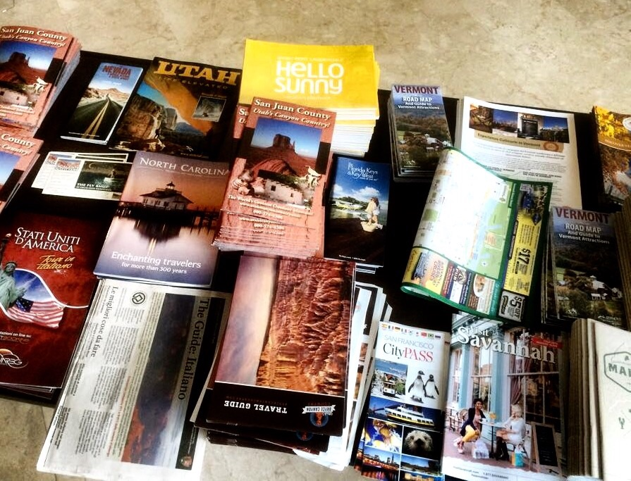 Brochure, cataloghi, spunti ed itinerari