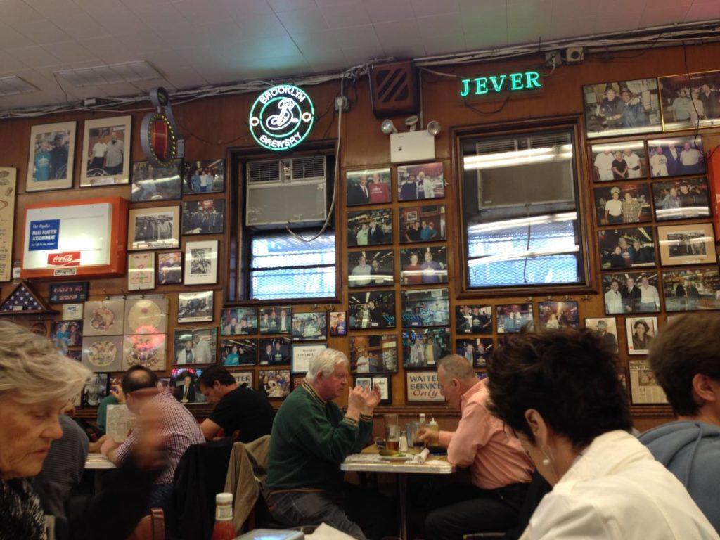 Katz's Delicatessen, the inside